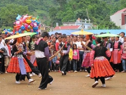 Los Mong festejan el Tet tradicional - ảnh 2