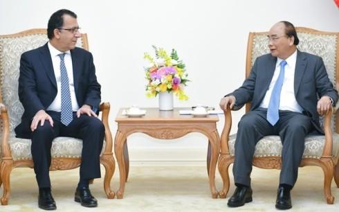 Primer ministro vietnamita recibe a embajadores de Chile y Canadá - ảnh 1