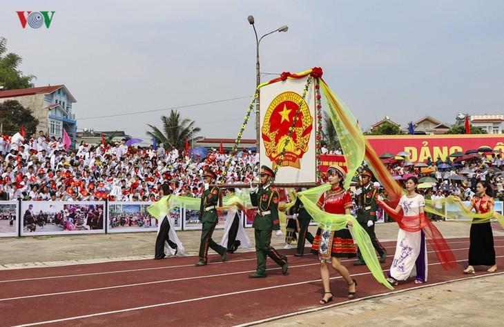 Conmemoran el 65 aniversario de la victoria de la batalla de Dien Bien Phu - ảnh 3