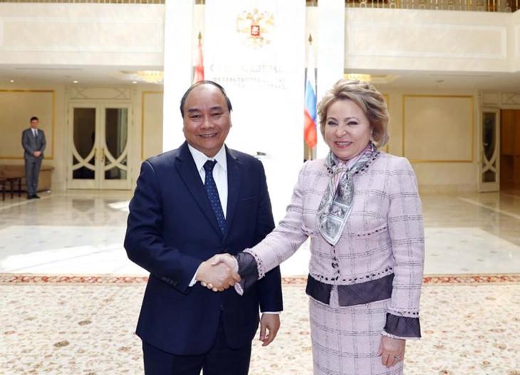 Primer ministro de Vietnam se reúne con titulares de la Duma Estatal y el Consejo Federal de Rusia - ảnh 2