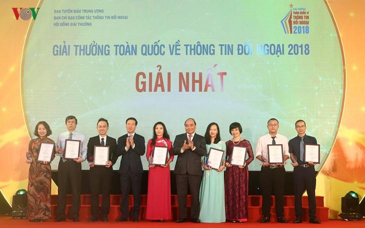 Entregan los Premios Nacionales de Información al Exterior 2018 - ảnh 1