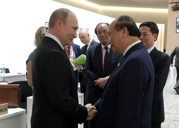 Primer ministro vietnamita se reúne con líderes mundiales al margen del G20 - ảnh 1