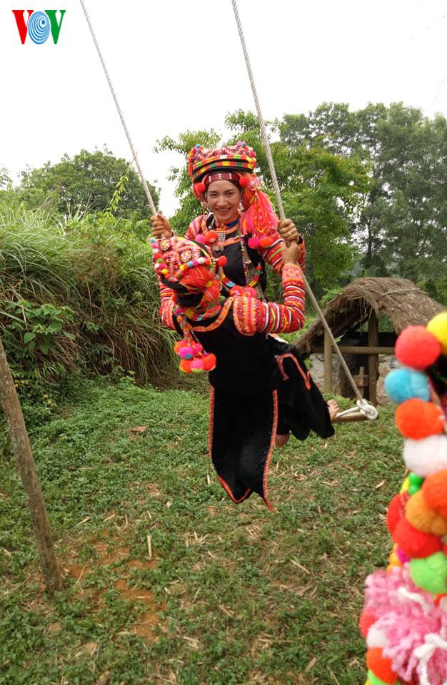 El juego del columpio en la comunidad étnica Ha Nhi - ảnh 3