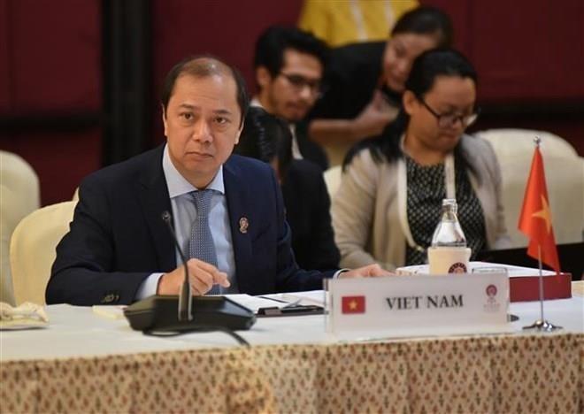 Vietnam asiste a reuniones de Asean y sus socios en Tailandia - ảnh 1