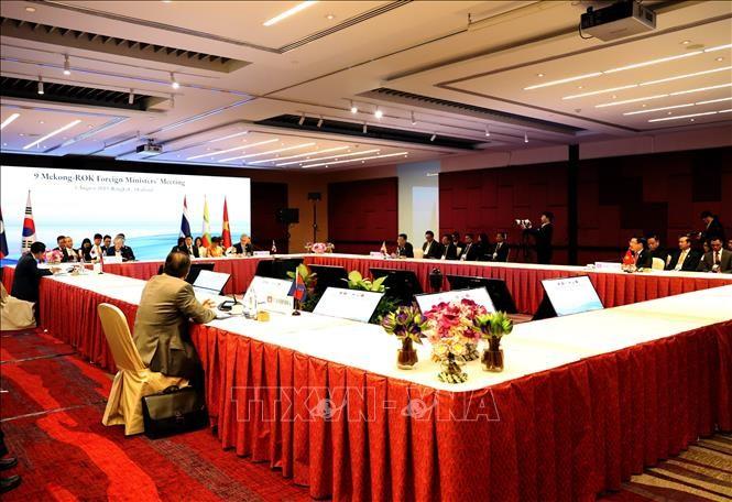 Vietnam respalda al impulso de cooperación de Mekong con Corea del Sur y Japón - ảnh 1