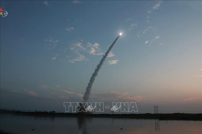 Corea del Norte prueba lanzamiento de nuevos misiles - ảnh 1