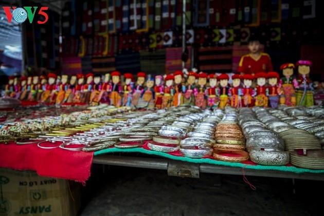 Chợ phiên Bắc Hà, những sắc màu văn hóa vùng cao - ảnh 16