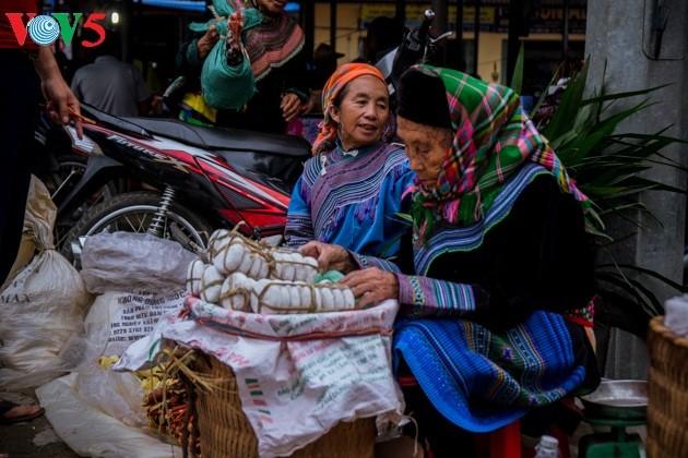 Chợ phiên Bắc Hà, những sắc màu văn hóa vùng cao - ảnh 2