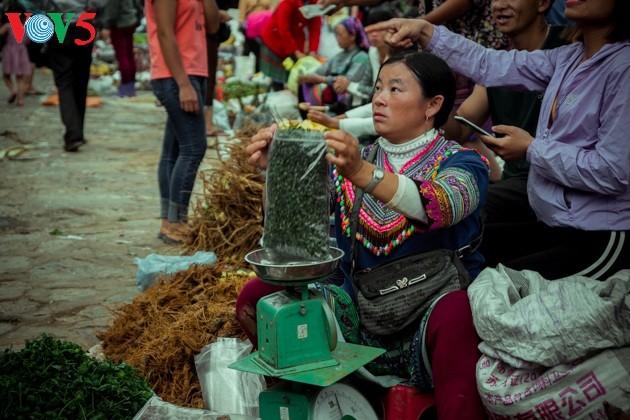 Chợ phiên Bắc Hà, những sắc màu văn hóa vùng cao - ảnh 5