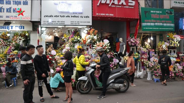 Ngày Quốc tế Phụ nữ 8/3 đa dạng các loại hoa hồng tại thủ đô - ảnh 3