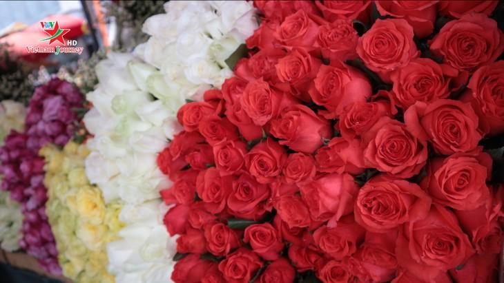 Ngày Quốc tế Phụ nữ 8/3 đa dạng các loại hoa hồng tại thủ đô - ảnh 5