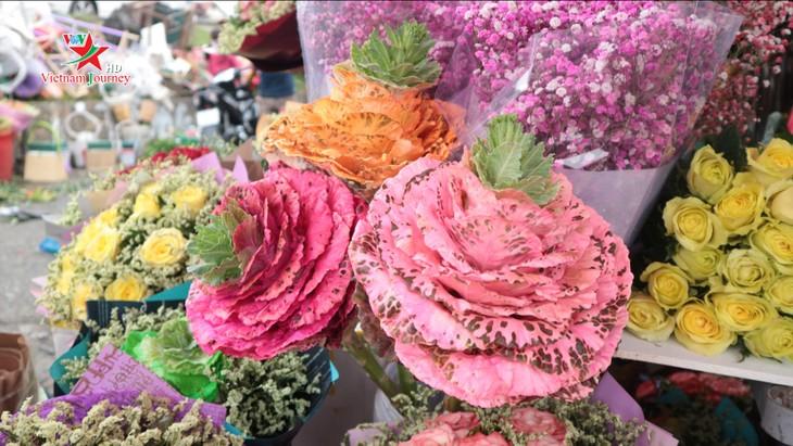 Ngày Quốc tế Phụ nữ 8/3 đa dạng các loại hoa hồng tại thủ đô - ảnh 6