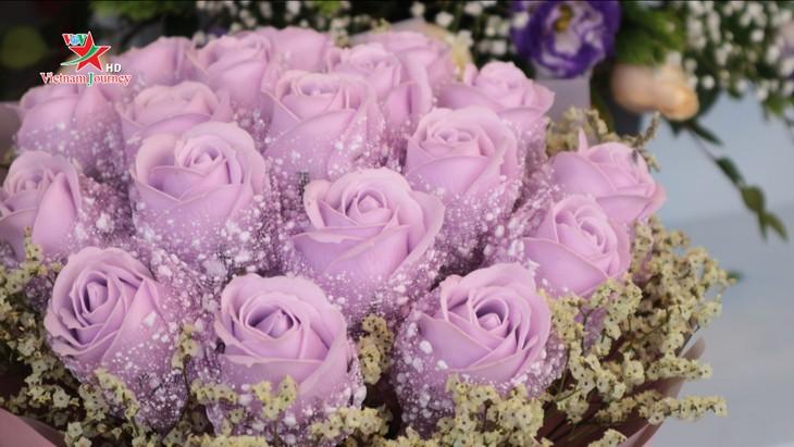 Ngày Quốc tế Phụ nữ 8/3 đa dạng các loại hoa hồng tại thủ đô - ảnh 8