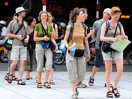 ยกเลิกวีซ่าเพื่อดึงดูดนักท่องเที่ยวต่างชาติ - ảnh 1