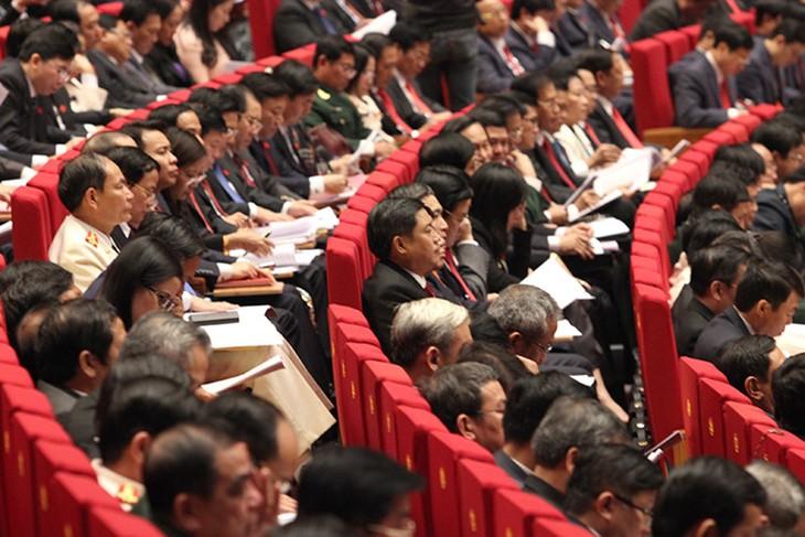 การประชุมสมัชชาใหญ่พรรคสมัยที่ 12 ส่งเสริมจิตใจแห่งการเปิดเผยและมีประชาธิปไตย - ảnh 1