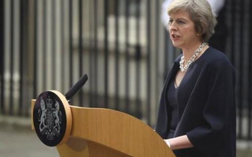 นาง Theresa May สาบานตนเข้ารับตำแหน่งนายกรัฐมนตรีอังกฤษและประกาศค.ร.ม.ชุดใหม่ - ảnh 1