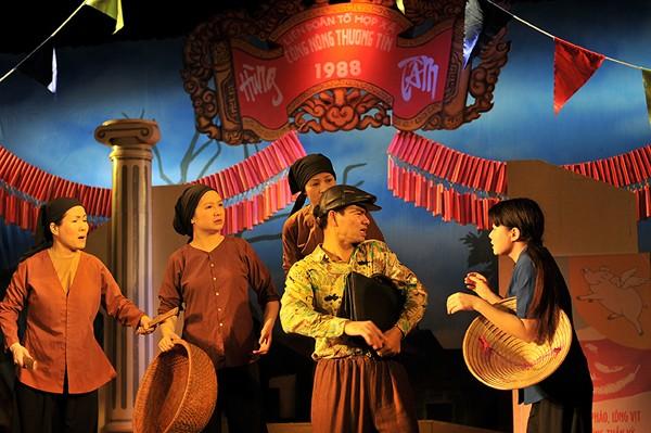ผู้กำกับภาพยนตร์ Claude Bourrin สะพานเชื่อมวัฒนธรรมตะวันตกกับเวียดนาม - ảnh 2