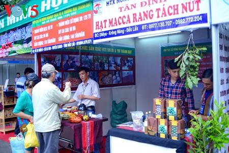 เปิดงานแสดงสินค้าการเกษตรและหัตถกรรมเวียดนาม - ảnh 1