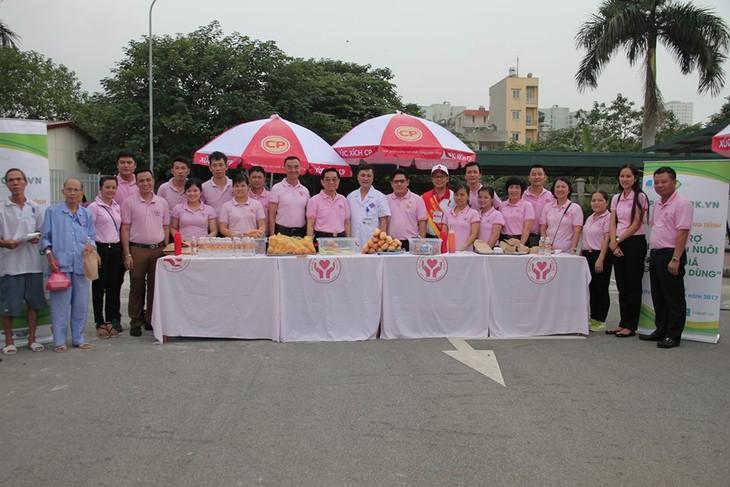 เครือเจริญโภคภัณฑ์กับกิจกรรมการกุศลเพื่อชุมชนเวียดนาม - ảnh 2