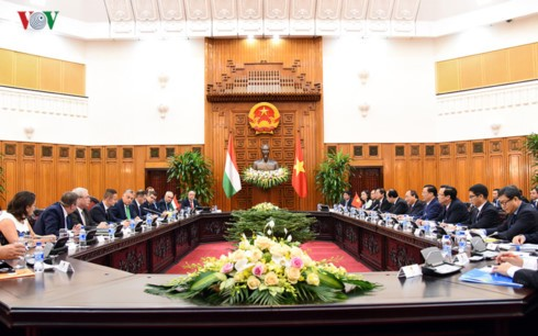 การเจรจาระดับสูงระหว่างเวียดนามกับฮังการี - ảnh 1