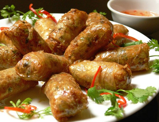 งานแสดงอาหารอาเซียน – สะพานเชื่อมด้านวัฒนธรรมกระชับความสามัคคีภายในกลุ่ม - ảnh 1