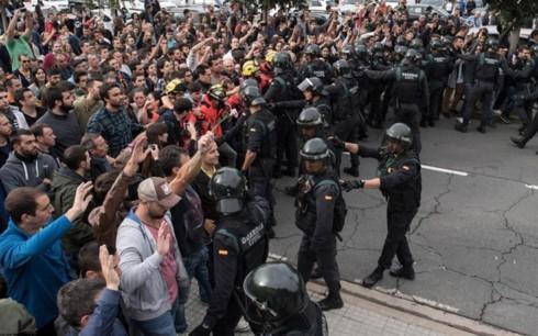 ความไร้เสถียรภาพในสเปนเดินสวนกับเป้าหมายและอุดมการณ์ของอียู - ảnh 1