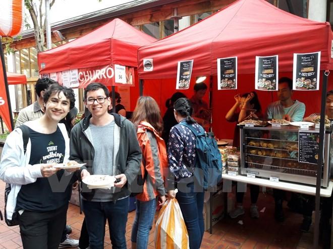"""ประชาสัมพันธ์เกี่ยวกับประเทศและคนเวียดนามใน """"วันเวียดนาม"""" ที่ประเทศนิวซีแลนด์ - ảnh 1"""
