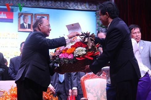 กัมพูชาฉลองครบรอบ 39 ปีวันก่อตั้งแนวร่วมสามัคคีประชาชาติกู้ชาติกัมพูชา - ảnh 1