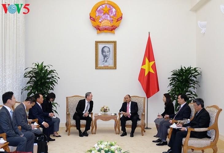 นายกรัฐมนตรีเวียดนามให้การต้อนรับประธานเครือบริษัทสื่อสาร Maekyung ของสาธารณรัฐเกาหลี - ảnh 1