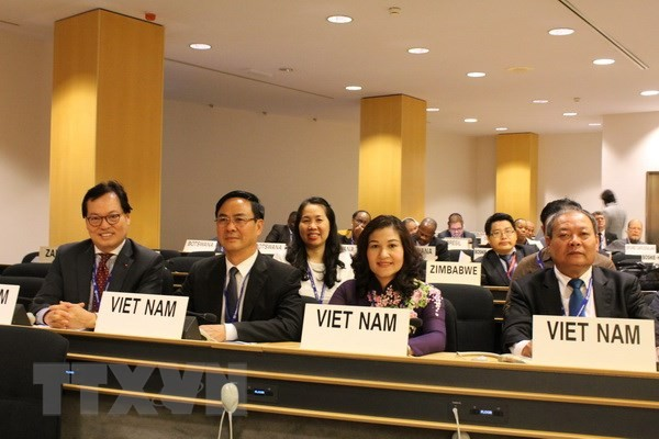 เวียดนามยืนยันให้ความสำคัญเป็นอันดับต้นๆต่อการค้ำประกันสิทธิของแรงงานสตรี - ảnh 1