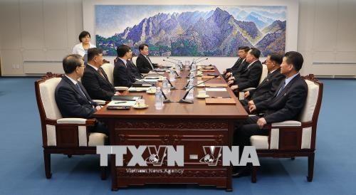 การเจรจาทางทหารระดับสูงครั้งแรกระหว่างสองภาคเกาหลีภายหลัง 10 ปี - ảnh 1