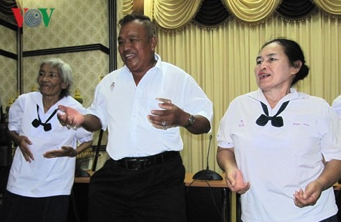 ชั้นเรียนสำหรับผู้สูงอายุในประเทศไทย - ảnh 3