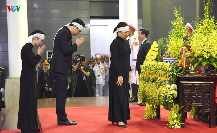 รัฐพิธีศพประธานประเทศเจิ่นด่ายกวาง - ảnh 4
