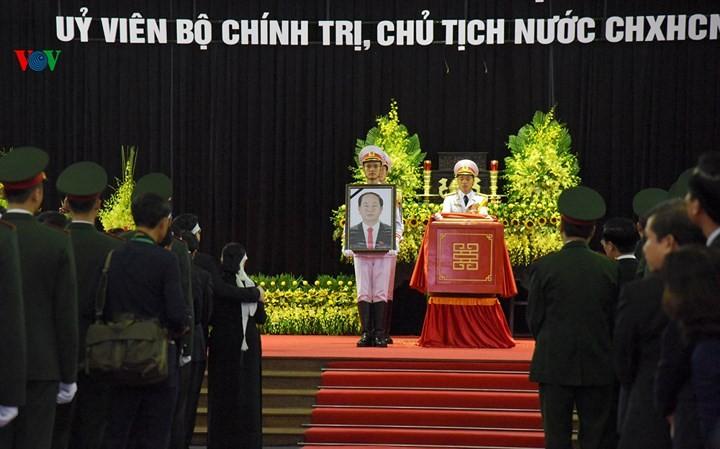 รัฐพิธีศพประธานประเทศเจิ่นด่ายกวาง - ảnh 7