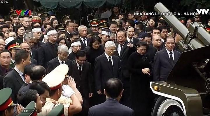 รัฐพิธีศพประธานประเทศเจิ่นด่ายกวาง - ảnh 11