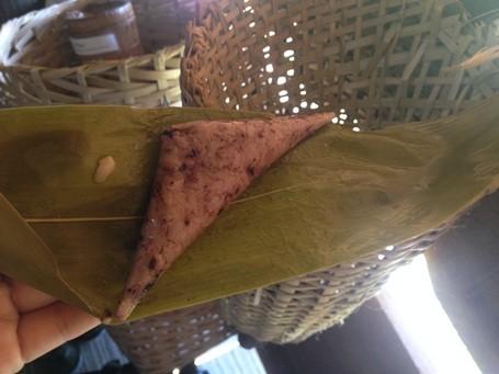 มาด่งโมลิ้มลองขนมอากว๊าด ขนมแห่งความรักของชนกลุ่มน้อยเผ่าต่าโอย - ảnh 3