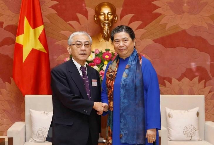 รองประธานสภาแห่งชาติต่องถิฟ้องให้การต้อนรับคณะผู้บริหารสมาคมอดีตส.ส.พรรคเสรีประชาธิปไตยญี่ปุ่น - ảnh 1