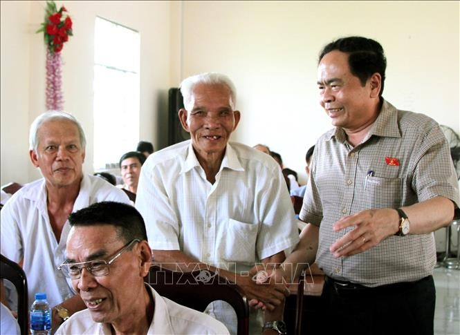 ประธานแนวร่วมปิตุภูมิเวียดนามพบปะกับผู้มีสิทธิ์เลือกตั้งนครเกิ่นเทอ - ảnh 1