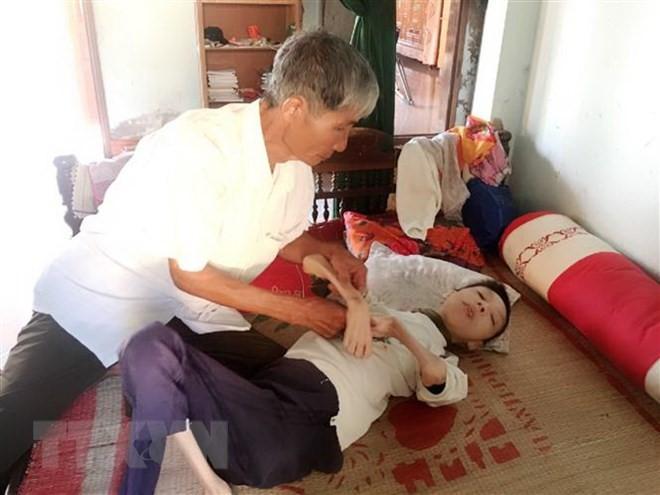 เวียดนาม – ญี่ปุ่นเพิ่มประสานงานในการช่วยเหลือผู้เคราะห์จากสารพิษสีส้มไดอ๊อกซิน - ảnh 1