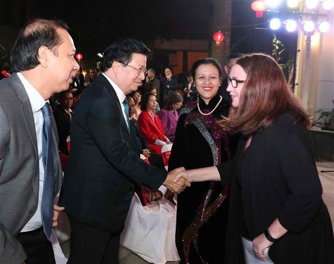 เวียดนามให้ความสำคัญเป็นอันดับต้นๆต่องานด้านการต่างประเทศในระดับประชาชน - ảnh 1