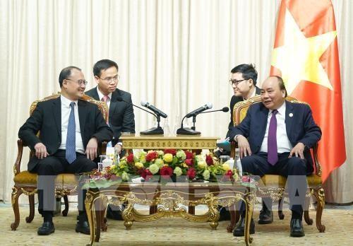 นายกรัฐมนตรีเวียดนาม เหงียนซวนฟุ๊ก พบปะทวิภาคีกับผู้นำประเทศต่างๆและผู้ประกอบการต่างประเทศ - ảnh 3