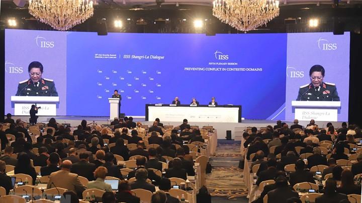 รัฐมนตรีกลาโหมเวียดนามเรียกร้องให้ยับยั้งการปะทะในด้านที่มีการพิพาท ณ การสนทนาแชงกรีลา - ảnh 1