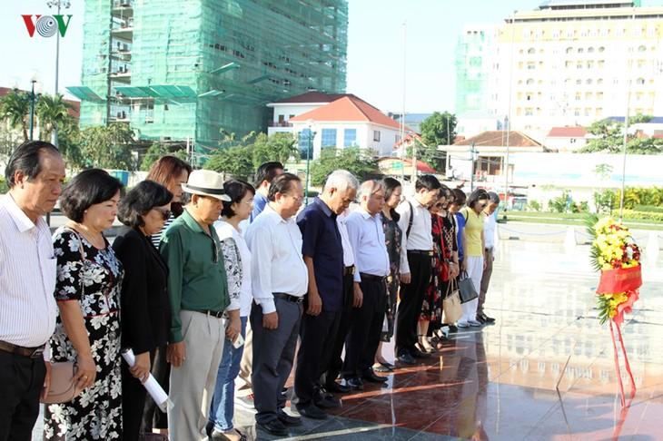 ประวัติศาสตร์กัมพูชาจดจำถึงความเสียสละของทหารอาสาเวียดนาม  - ảnh 1