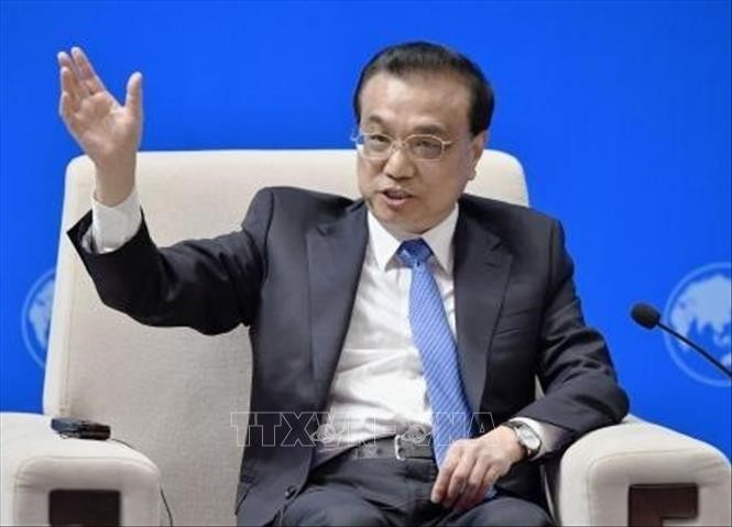 ในฟอรั่มดาวอสฤดูร้อนปี 2019 จีนยืนยันจะเปิดเผยและโปร่งใสมากขึ้นในการลงทุนต่างประเทศ - ảnh 1