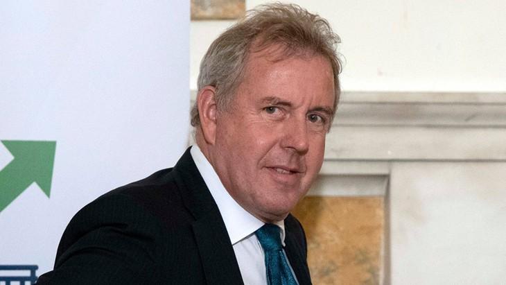 เอกอัครราชทูตอังกฤษประจำสหรัฐขอลาออกจากตำแหน่งหลังจากที่ถูกประธานาธิบดีโดนัลด์ ทรัมป์กล่าวตำหนิ - ảnh 1