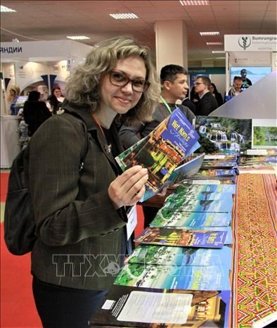 Vietnam sea and island tourism impresses Moscow fair - ảnh 1