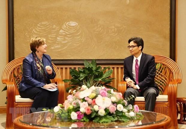 Deputy PM receives new UNICEF Representative in Vietnam - ảnh 1