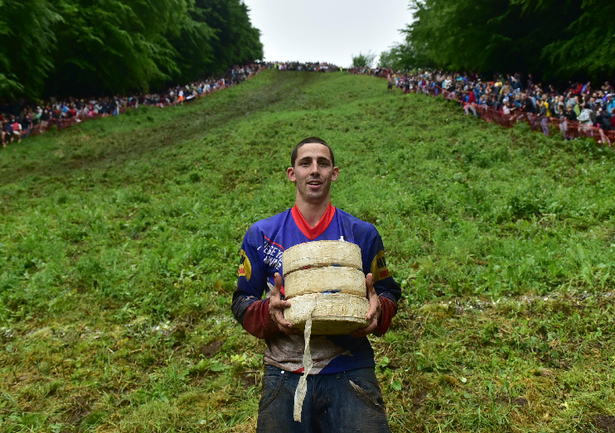 Cheese rolling race of England - ảnh 2