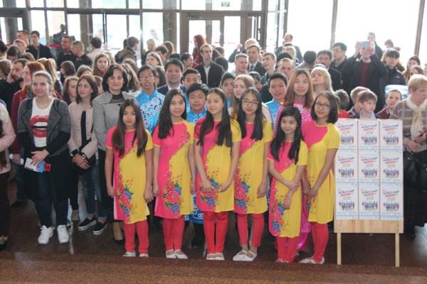 Festival Quốc tế về ngôn ngữ và văn hóa tại Ucraina - ảnh 2