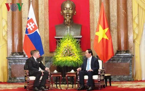Lãnh đạo Đảng, Nhà nước, Quốc hội tiếp Thủ tướng Slovakia Robert Fico - ảnh 2